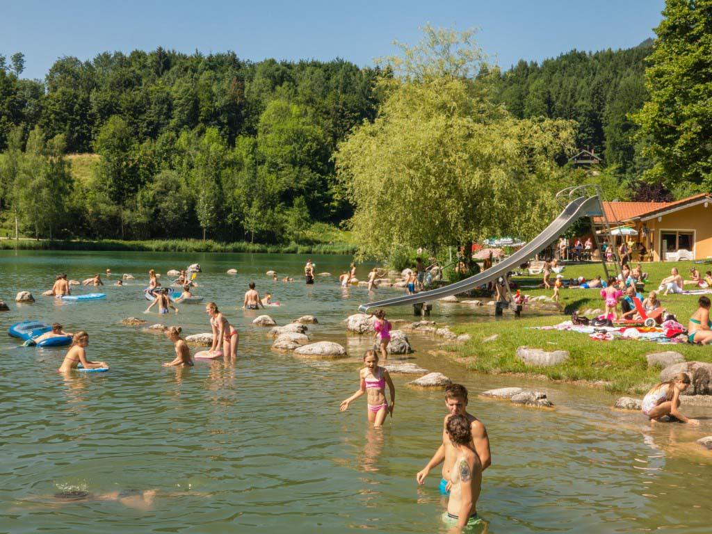 Das Freibad am Wössner See im Luftkurort Unterwössen
